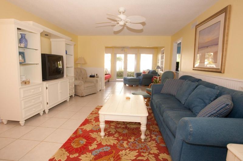 Spacious living room - Best Siesta Key Location! - Siesta Key - rentals