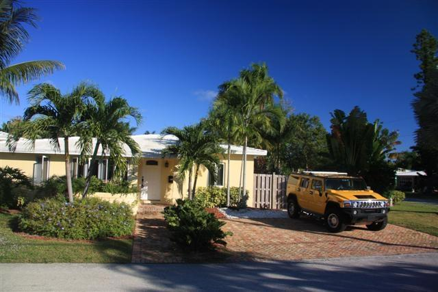 Beautiful modern villa, tropical garden, pool - Image 1 - Fort Lauderdale - rentals