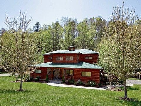Log Cabin,firepit, hot tub, Pigeon Forge,Brookside - Image 1 - Sevierville - rentals