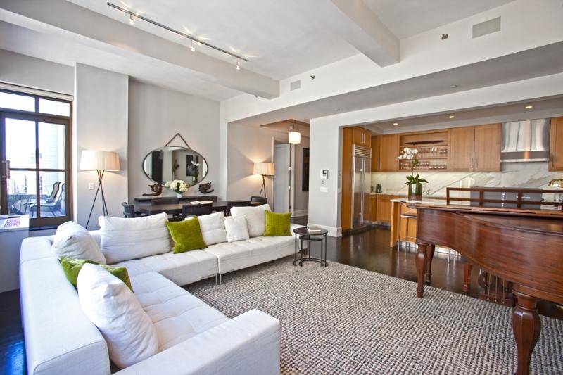 Living/Dining/Kitchen/Balcony - Huge Luxury Apartment in the Heart of Midtown - Manhattan - rentals