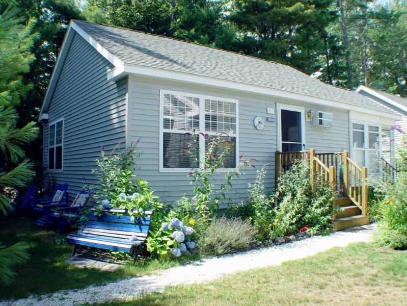 Beach Dreams Beautiful Cottage - Beach Dreams Cottage -  Lovely Location ! - Wells - rentals
