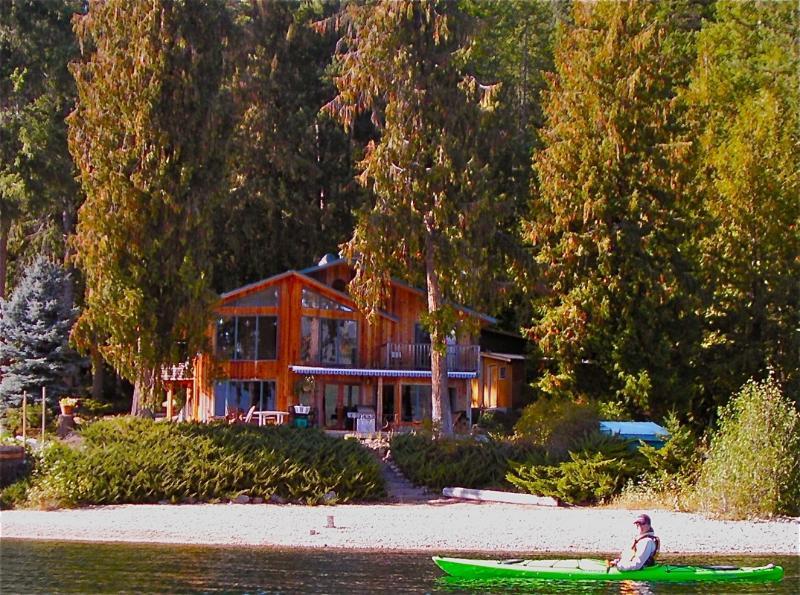 Cedar Point, on BC's Warmest Lake - Lakefront Executive Home - Christina Lake - rentals