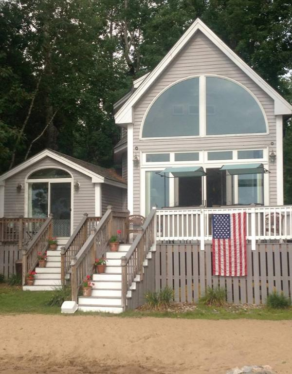 Sandy Beach-Front Home w/Optional Bunk House! - Image 1 - Center Ossipee - rentals