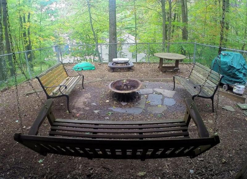 FENCED IN YARD GREAT FOR KIDS - Two Story Lake Wallenpaupack Rental House - Lake Wallenpaupack - rentals