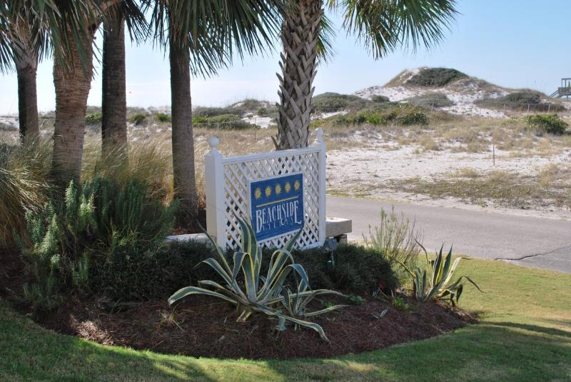The Beachside Villas complex is very well kept. - Endless Summer at Beachside Villas - Beach View - Santa Rosa Beach - rentals