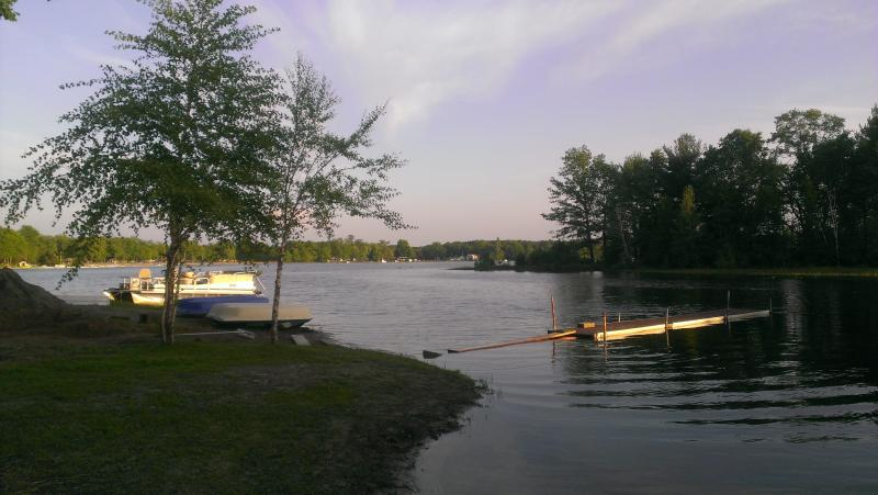 Lakefront (Twin Lake, Muskegon) Vacation Cottage - Image 1 - Muskegon - rentals