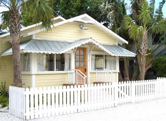The William Guthrie House - Historic Gulf Coast Cottage - Taste of Old Florida - Cortez - rentals