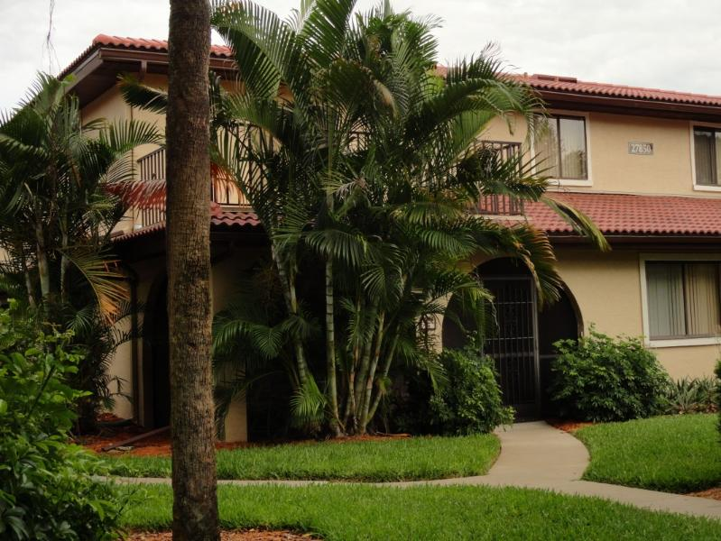 View of the home - Cozy townhome in beautiful gated community - Bonita Springs - rentals