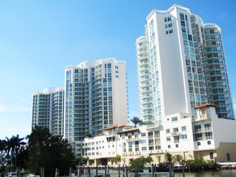 St Tropez Sunny Isles - ST. TROPEZ WATERFRONT LUXURY | 3 BD AP SUNNY ISLES - Sunny Isles Beach - rentals