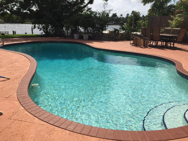 Big Pool - Waterfront Luxury Home-beach1/2 mile, Heated Pool - Hollywood - rentals