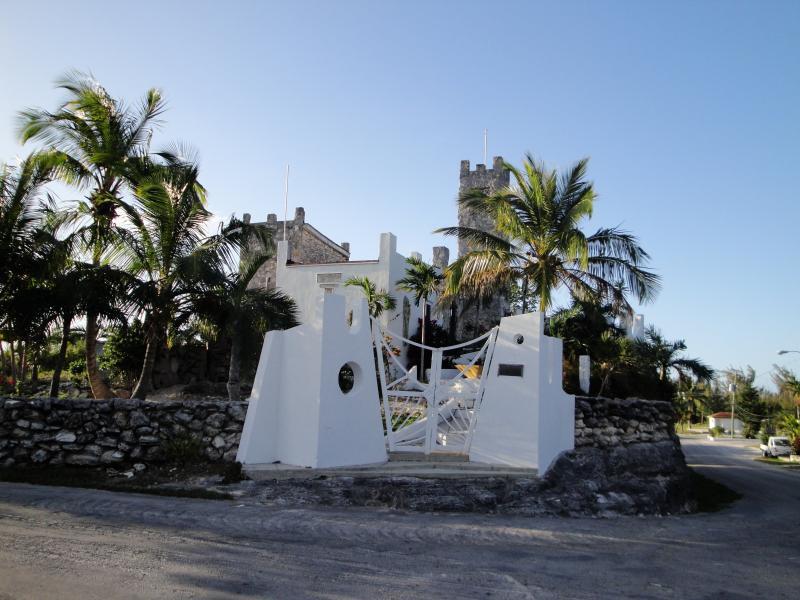 Castle Gates - Castle MacMillan Hughes - Tarpum Bay - rentals
