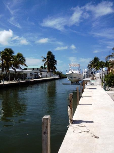 Dock your boat here ~ quick access to ocean! - M85 ~ Oceanside Retreat - Marathon - rentals