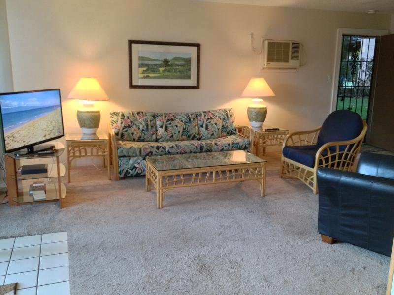 Specials! $150nt, Condo on Sugar Beach, Pool, AC - Image 1 - Kihei - rentals