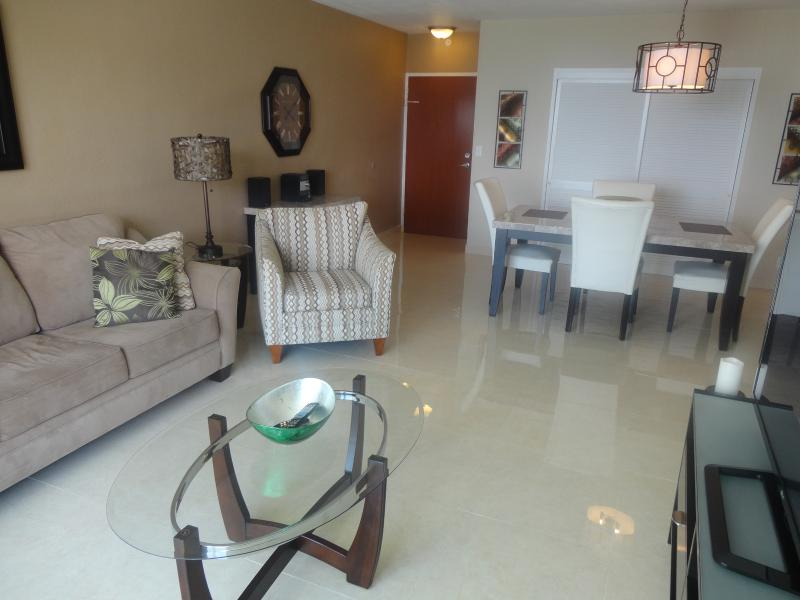 Living room/Dining Room - Condo on the beach - Hollywood Beach Florida - Hollywood - rentals
