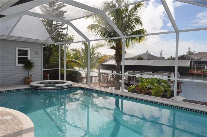 Beautiful 5/3 Villa Gulf Access, Boat rental, Spa - Image 1 - Cape Coral - rentals