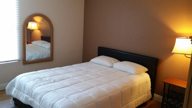Bedroom 1 - 2 Bedroom fully furnished condo gated community. - Las Vegas - rentals