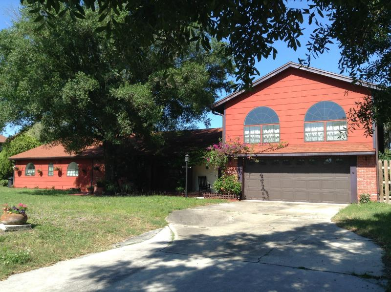 Front of home - Beautiful 4 Bd Pool Home! - New Port Richey - rentals