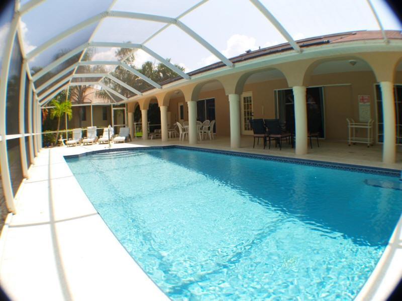 Pool - large enough to swim laps! - Villa Sunset Vista, Four Mile Cove Area, HUGE POOL - Cape Coral - rentals