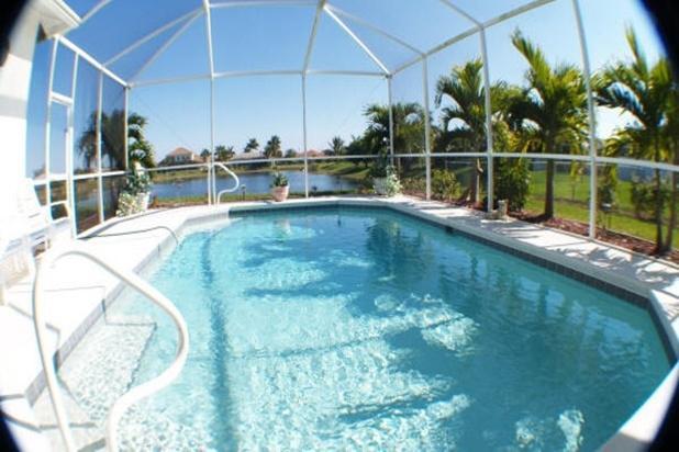 Villa Lake El Dorado - fabulous location on lake - Image 1 - Cape Coral - rentals