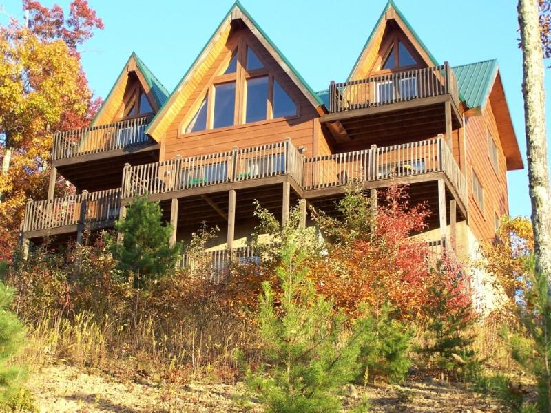fall view of cabin - 5 decks to enjoy the views!  3 floors of living space! - Above the clouds!  Spacious, private mountain home - Sevierville - rentals