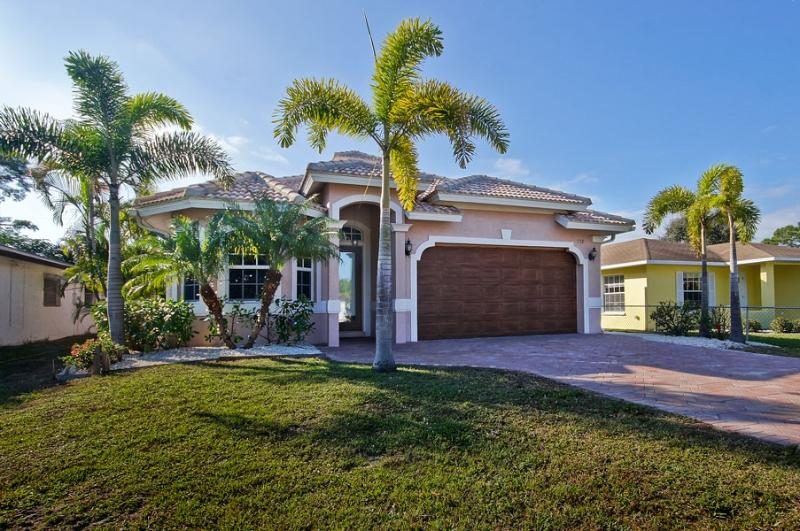 Newly Built Naples Home - Luxurious Home in Naples! HUGE SUMMER SALE!!!!! - Naples - rentals