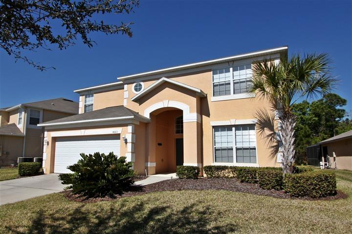 Villa Front - Executive Villa, 8 Bedrooms, 4.5 Baths (Sleeps 19) - Kissimmee - rentals