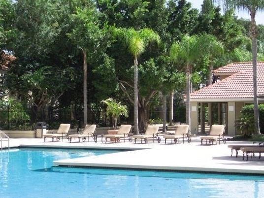 2 BR/2 BA Tropical Condo Minutes from Siesta Key - Image 1 - Sarasota - rentals