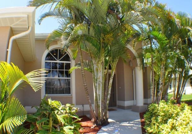 Villa Paradise Landings - SOUTH facing pool & more - Image 1 - Cape Coral - rentals