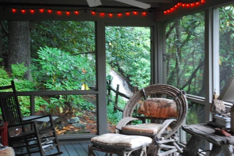 Enjoy the sounds of the waterfall from the screened-in porch - 5 Sec Walk to 100' Waterfall, 5 Min Drive to Town - Highlands - rentals