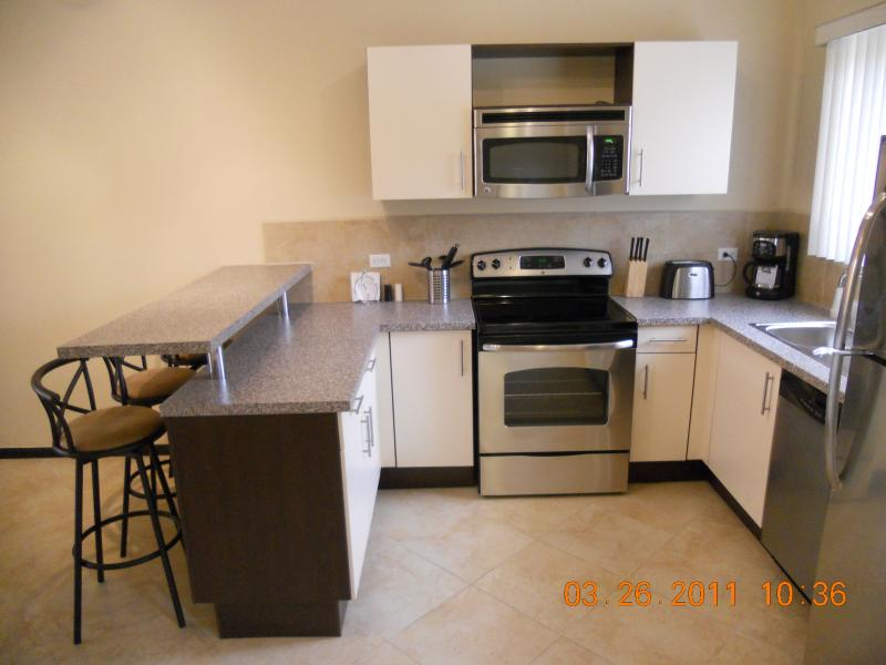 BRAND NEW TOWHNOUSE - BRAND NEW 2 BEDROOM TOWNHOUSE - Palm Beach - rentals