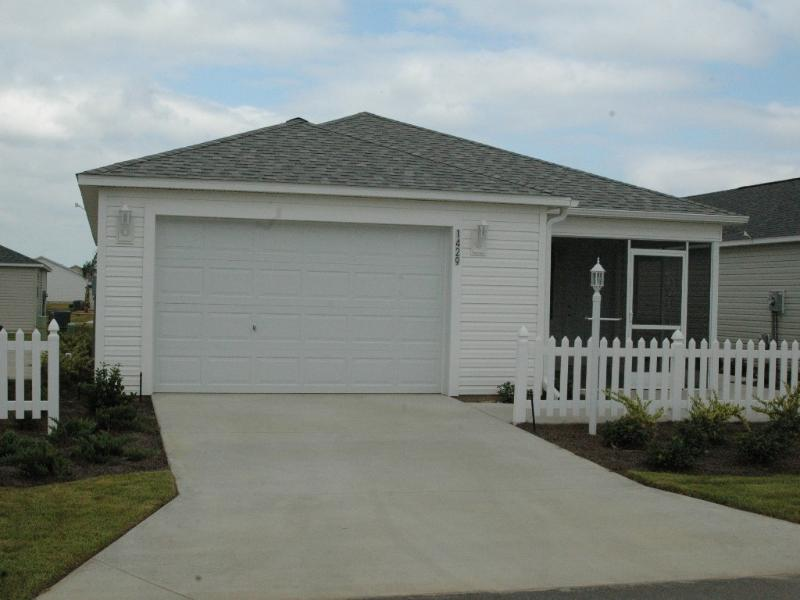 Front of Patio Villa - New Patio Villa - 2bdrm - Beautifully Furnished - Wildwood - rentals