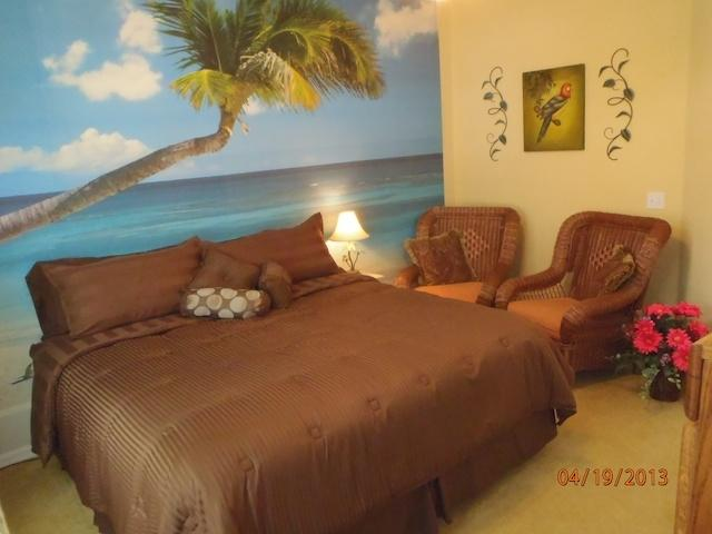 Bedroom 1:   with king bed and 32 inch flat screen TV - Disney is super close, pool, spa, game room, WiFi - Four Corners - rentals