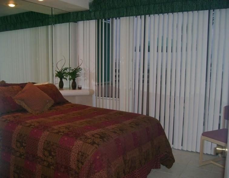 King size Bed - Lg Heated Pool,1 Bed, 2 Baths Ocean Front Unit 107 - Daytona Beach - rentals