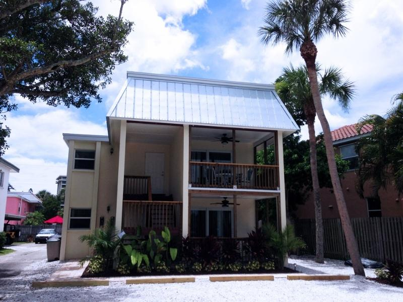 342 Canal Rd - 2 BR, 2 Bath, Siesta Key Village Condo with Pool - Siesta Key - rentals