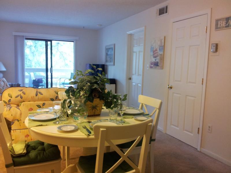lounge/dining area - FIDDLERS COVE - HILTON HEAD ISLAND SC - Hilton Head - rentals