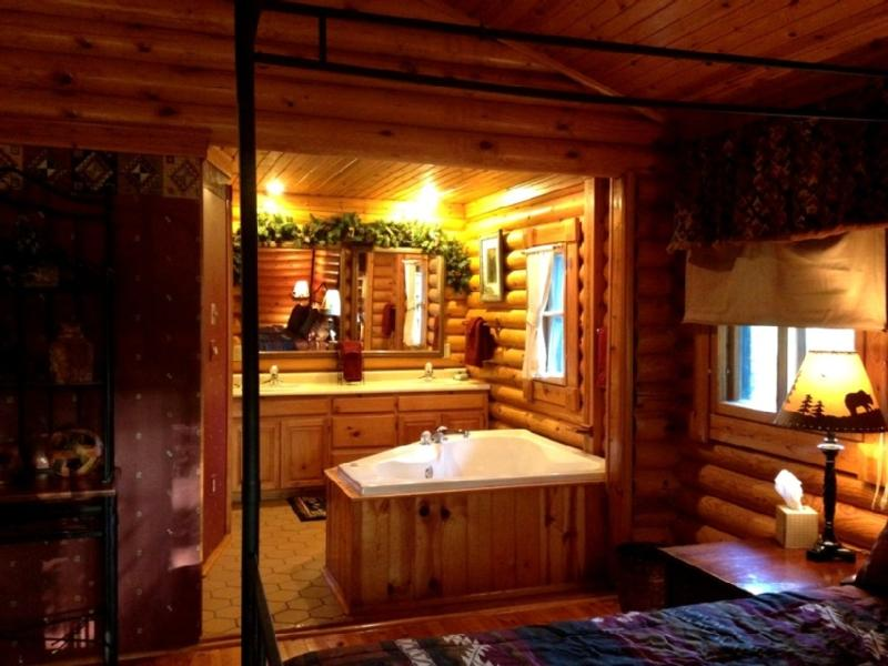 Bedroom to Jacuzzi & Vanity View - The Allure of This Den Await's You! - Sevierville - rentals