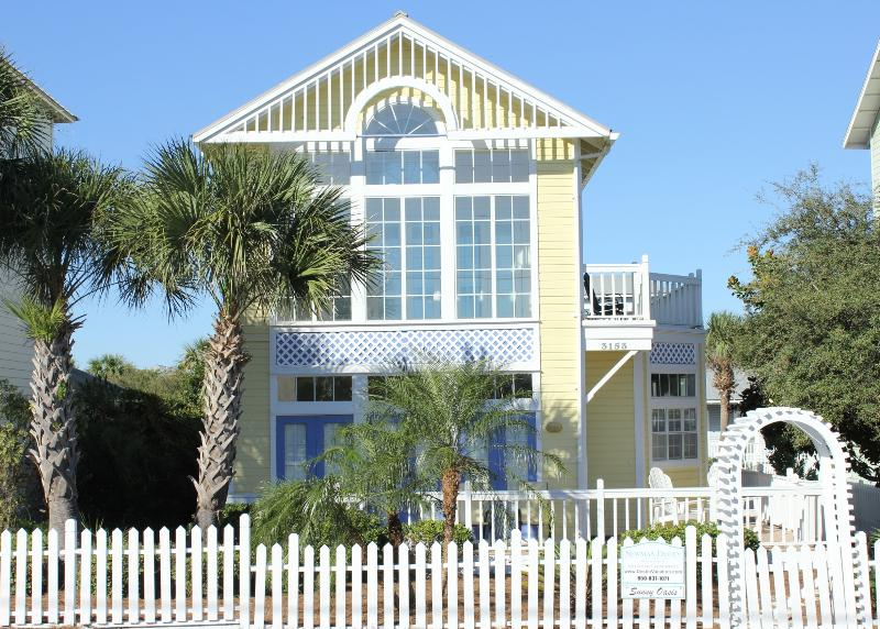Sunny Oasis - Beach House in Destin, FL with Ocean Views - Destin - rentals