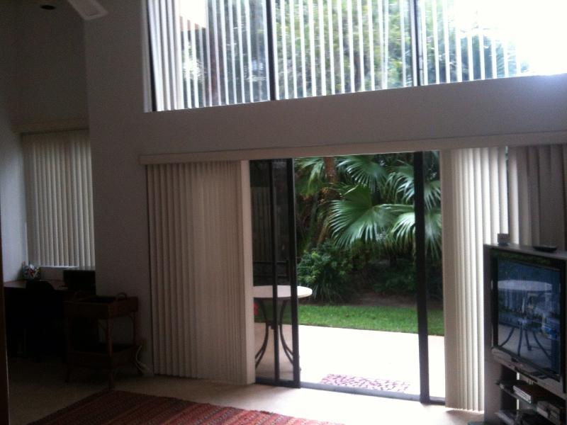 Beautiful townhome  five minutes walking to the be - Image 1 - Deerfield Beach - rentals