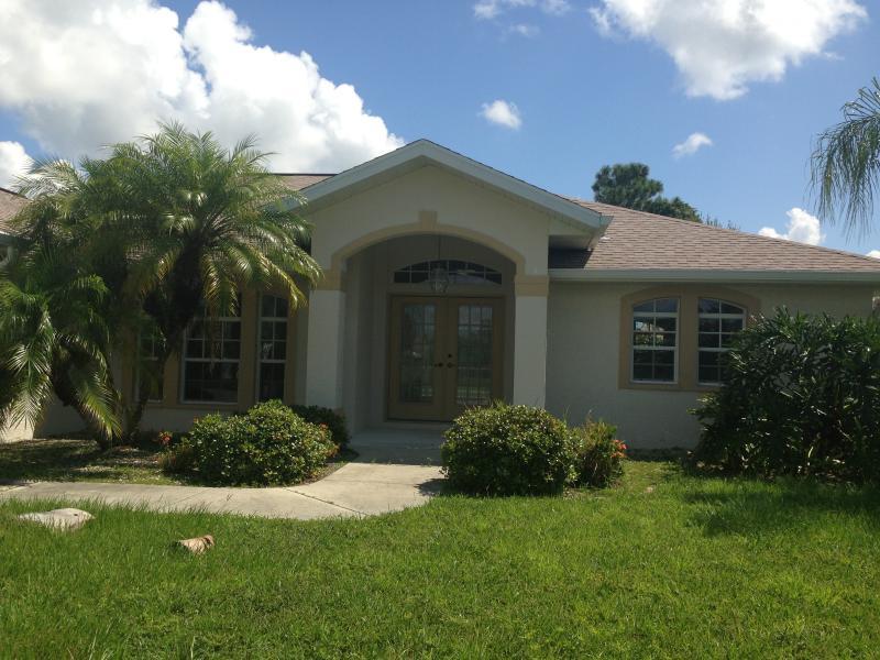 Waterfront Florida Vacation home - Image 1 - Rotonda West - rentals