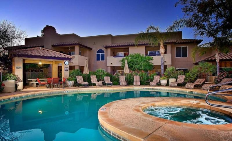 Beautiful resort style North Scottsdale Condo. Quiet, safe area - Resort style Luxury North Scottsdale Condo 3 pools - Scottsdale - rentals