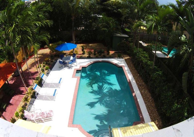 Aerial view of outside pool & deck area- just waiting for you to relax & enjoy! - Walk to the Beach Villa - Lauderdale by the Sea - rentals