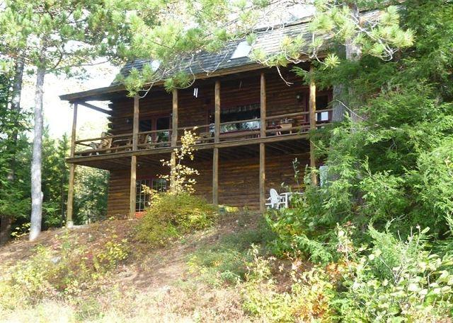 Great Log Home on Winnipesaukee for 12! - Image 1 - Moultonborough - rentals