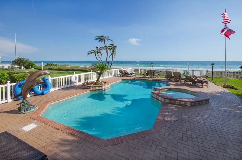 Private Heated Pool and Spa, a Backyard Oasis - BEACH BLISS ESTATE-PRIVATE BEACH, POOL & ELEVATOR - Redington Beach - rentals