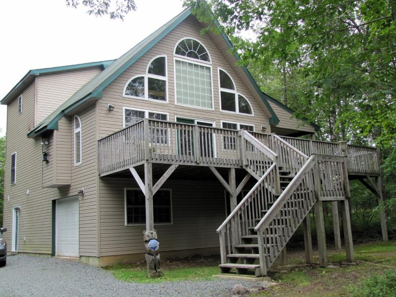 Chalet in the Poconos - Chalet For All Seasons-Come Enjoy the Fall Foliage - Albrightsville - rentals