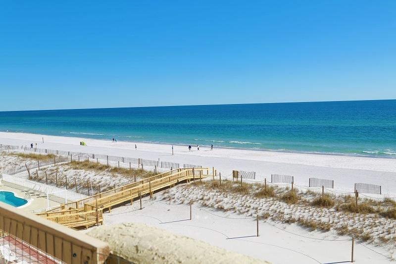 Spacious 3BR Gulf Front Condo Directly On Beach - Image 1 - Gulf Shores - rentals