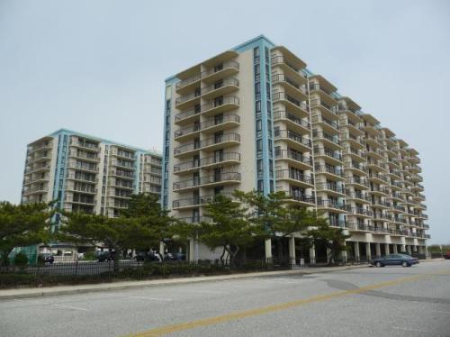 Front of Braemar Towers from Coastal Highway - 2 Bedroom/2 Bath Oceanfront Building All Amenities - Ocean City - rentals