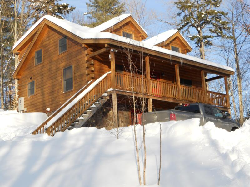 Log Cabin With All The Luxuries Of Home - Image 1 - Woodsville - rentals