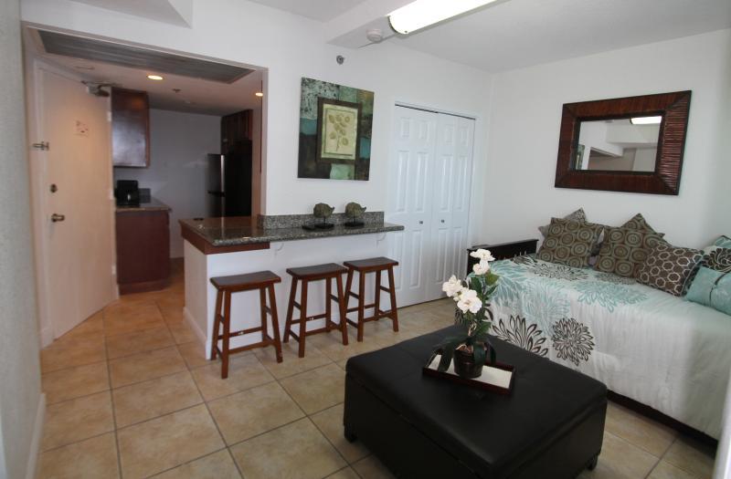 Studio 719 Bay View - Image 1 - Miami Beach - rentals