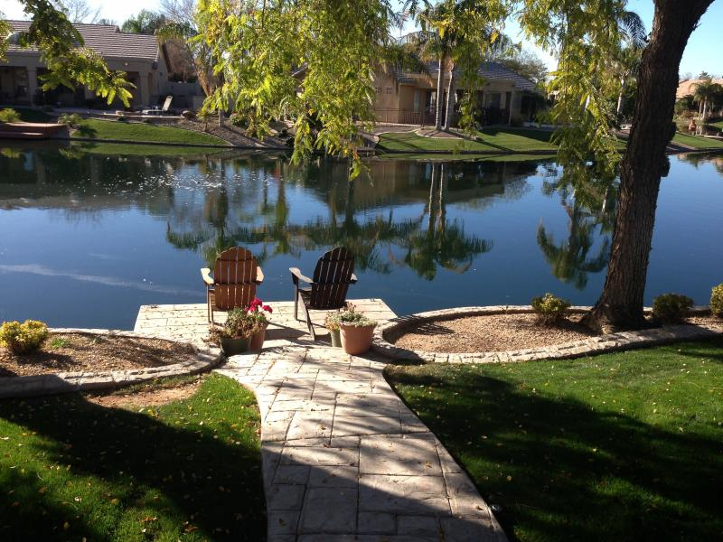 Water front home in Ocotillo Lakes - On the water near Ocotillo Golf Course - Chandler - rentals