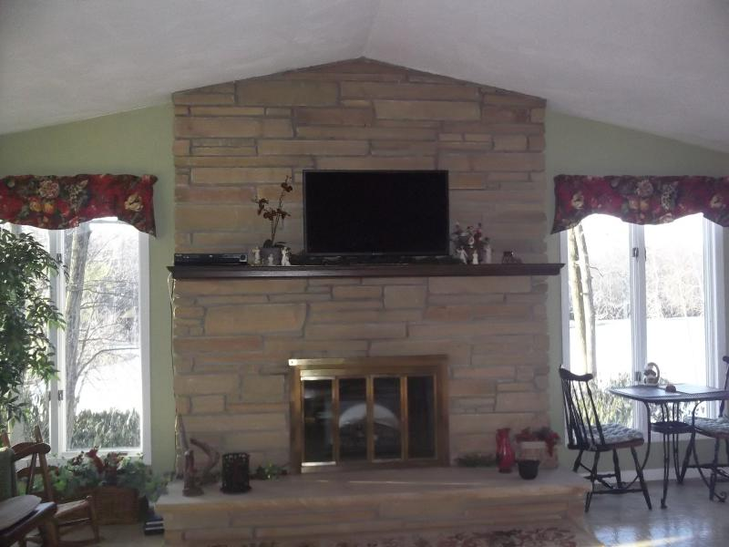"Great room fireplace--4 recliners, 2 rocking ch, keyboard, tv, dvd and cd player - Fabulous lakefront vacation rental ""Lakeside"" - Kunkletown - rentals"